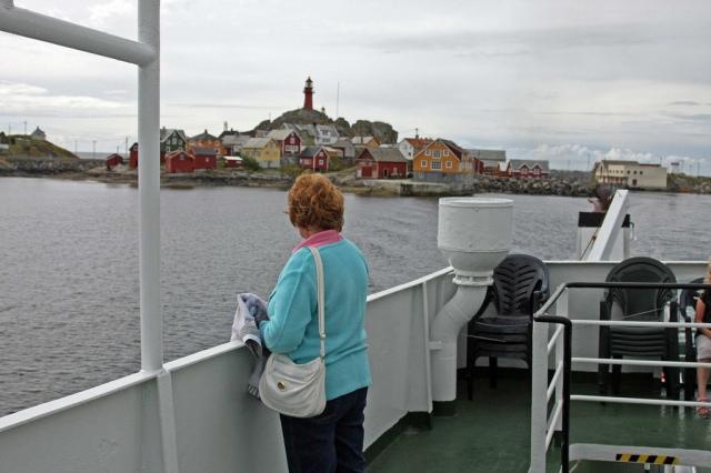 Karen watch her childhood home coming into view.